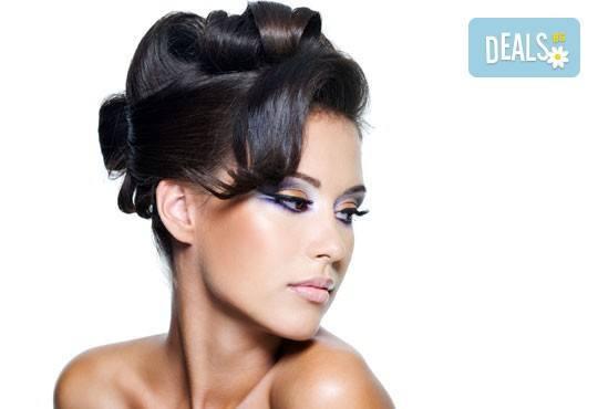 Вашата мечтана визия! Пробна прическа и абитуриентска прическа при стилист на Салон за красота Blush Beauty! - Снимка 3
