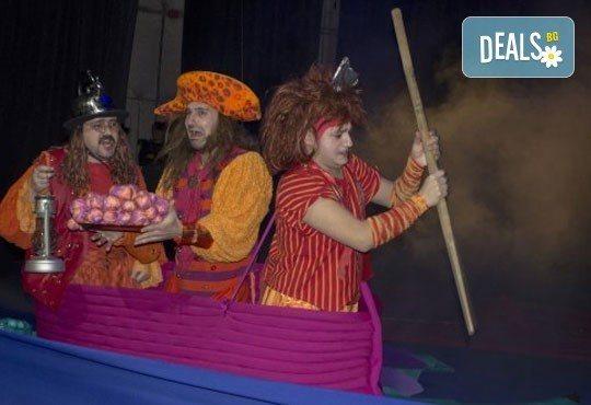Приказка за малки и големи! Гледайте мюзикъла Питър Пан в Театър София на 24.04. от 11.00 ч., билет за двама! - Снимка 11