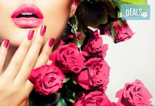За красиви ръце! Маникюр с Роза Дамасцена и гел лак SNB от Point nails! - Снимка 2