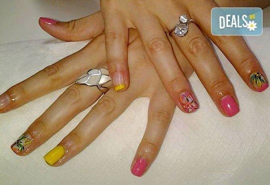 За красиви ръце! Маникюр с Роза Дамасцена и гел лак SNB от Point nails! - Снимка 7