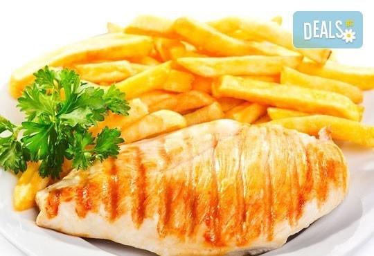 Две пържоли на супер цена! Свинска вратна пържола или пилешко филенце с домашни картофки и лютеница от Balito! - Снимка 2