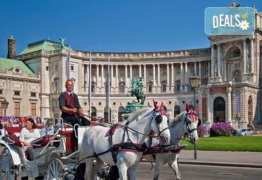 Майски празници в Будапеща: 2 нощувки, закуски, транспорт и екскурзовод, възможност за посещение на Виена с Еко Тур Къмпани! - Снимка 7
