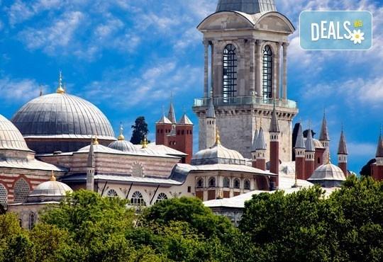 Вижте Фестивала на лалето с екскурзия до Истанбул през април: 2 нощувки със закуски, транспорт и водач от BG Holiday Club! - Снимка 3