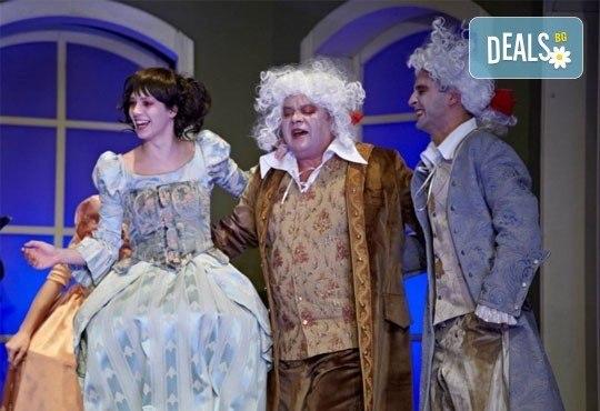 Време е за театър! Скъперникът от Молиер на 11-ти април (понеделник) в МГТ Зад канала - Снимка 1