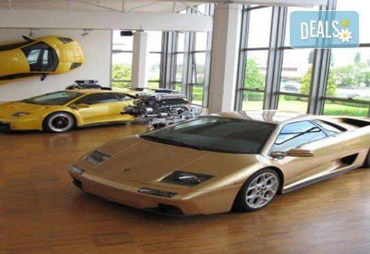 BMW, Mercedes-Benz, Ferrari и още! 5 дни в света на автомобилите с Дари Травел! 3 нощувки със закуски, хотели 2/3*, транспорт и програма! - Снимка 3