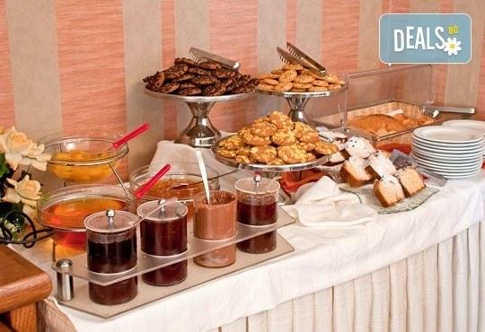 През юни или септември в Alkionis Hotel 2*, Халкидики, Гърция! 3 или 5 нощувки със закуски и вечери, безплатно за дете до 2г.! - Снимка 14