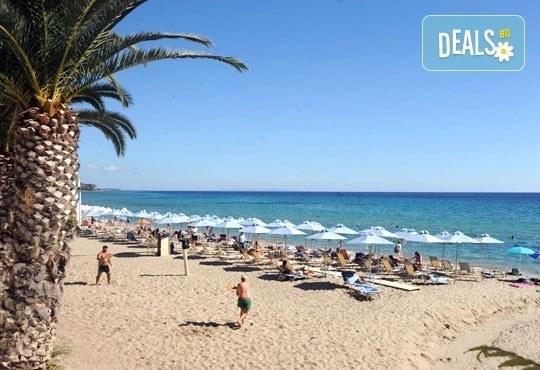 През юни или септември в Alkionis Hotel 2*, Халкидики, Гърция! 3 или 5 нощувки със закуски и вечери, безплатно за дете до 2г.! - Снимка 1