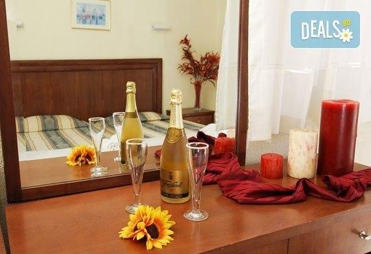 През юни или септември в Alkionis Hotel 2*, Халкидики, Гърция! 3 или 5 нощувки със закуски и вечери, безплатно за дете до 2г.! - Снимка 8