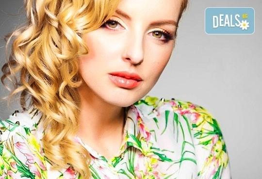 Добавете свежи нюанси в косата! Боядисване с професионална боя, маска и оформяне на косата със сешоар от СПА студио Кадифе! - Снимка 1