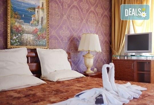 Цяло лято в Приморско! 1 нощувка на база All inclusive в хотел Свети Стефан 2*, безплатно за дете до 1.99 г. - Снимка 3