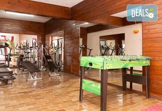 Почивка със семейството! Нощувка със закуска и ползване на открит басейн, детски кът, фитнес в Комплекс Фазанария до Пазарджик - Снимка 21