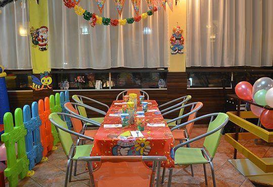 За усмивките на Вашите деца! Детски рожден ден за 10 деца с меню, украса, покани и подарък за рожденика в Бистро Папи! - Снимка 3