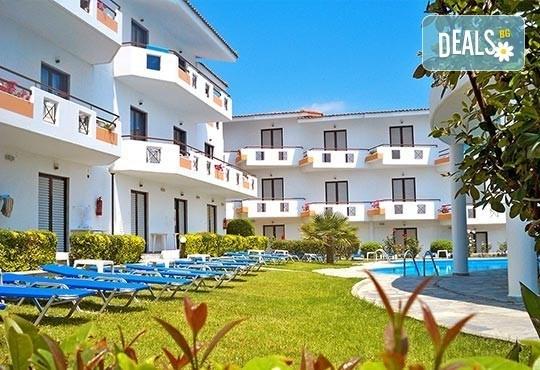 Почивка през май в Гърция! Почивка в Dolphin Beach Hotel 3*, Халкидики - 6 дни, 5 нощувки със закуски и вечери, транспорт, от Теско Груп! - Снимка 5