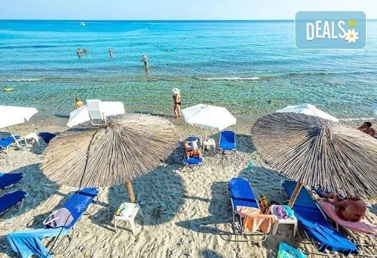 Почивка през май в Гърция! Почивка в Dolphin Beach Hotel 3*, Халкидики - 6 дни, 5 нощувки със закуски и вечери, транспорт, от Теско Груп! - Снимка 7