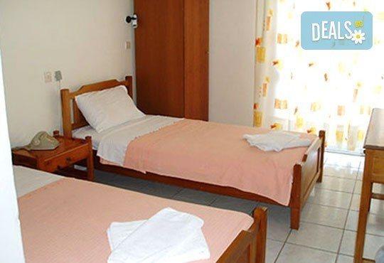 От юни до септември на почивка на остров Тасос! 7 нощувки със закуски в хотел Лена 2*, вечери по избор и възможност за транспорт! - Снимка 3