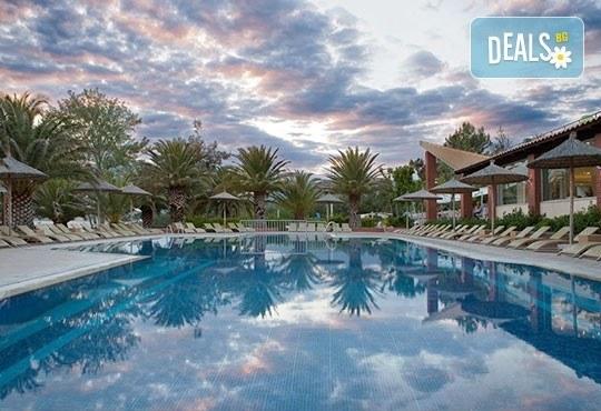 През май почивайте в Alexandra Beach Spa Resort 4* на o. Tасос, Гърция! 3/5 нощувки със закуски и вечери, безплатно за дете до 12.99г. - Снимка 13