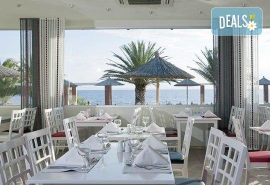 През май почивайте в Alexandra Beach Spa Resort 4* на o. Tасос, Гърция! 3/5 нощувки със закуски и вечери, безплатно за дете до 12.99г. - Снимка 11