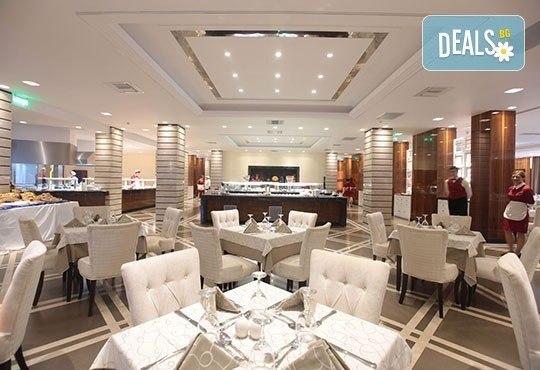 През май в Pomegranate & SPA Hotel 5*, Касандра, Гърция! 3 или 5 нощувки със закуски и вечери, безплатно за дете до 12г.! - Снимка 12