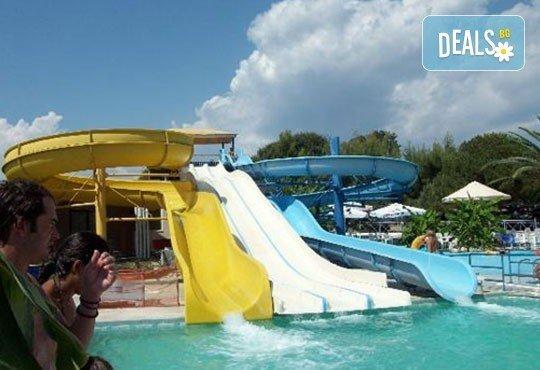 Почивка през лятото на Йонийското крайбрежие в Гърция! 5 нощувки, закуски и вечери в Kanali Beach Hotel 3* и транспорт - Снимка 8