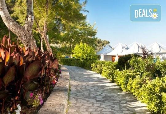 Почивка на остров Тасос, Гърция ! 5 нощувки със закуски и вечери в Makryammos Bungalows 4*, безплатно за дете до 12 г.! - Снимка 11