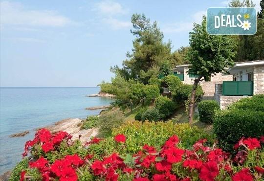 Почивка на остров Тасос, Гърция ! 5 нощувки със закуски и вечери в Makryammos Bungalows 4*, безплатно за дете до 12 г.! - Снимка 12