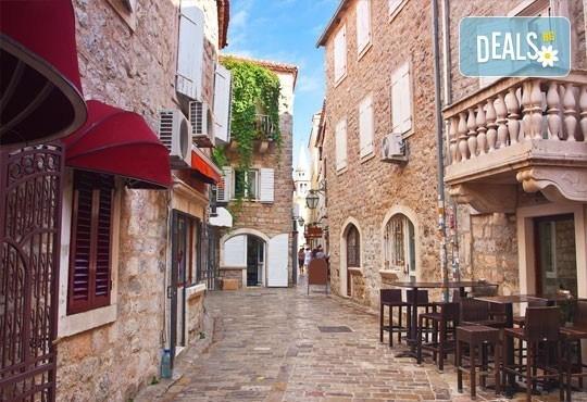 Почивка през май или юни в Будва, Черна гора! 5 нощувки със закуски и вечери в хотел 3*, транспорт и всички пътни такси! - Снимка 2