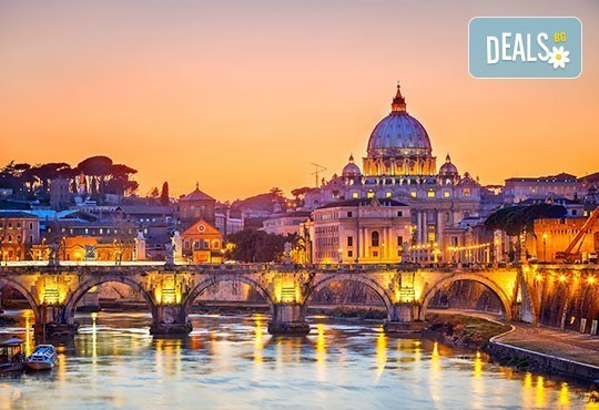 На разходка и шопинг в Рим през май! 4 дни, 3 нощувки със закуски в хотел 3*, самолетен билет и летищни такси, от Лале Тур! - Снимка 3