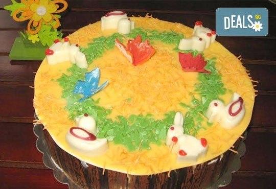 Сладък Великден! Козуначена торта с белгийски шоколад и великденска декорация от Сладкарница Орхидея - Снимка 2