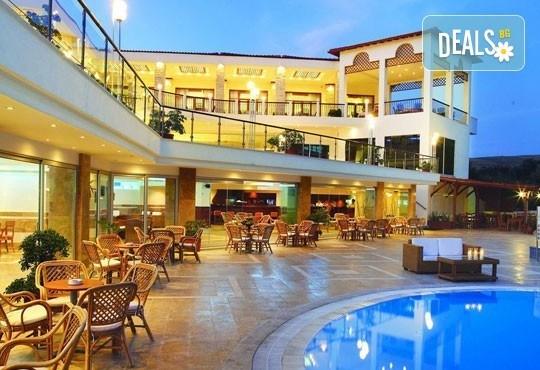 Почивайте през май в Alexandros Palace Hotel & Suites 5*, Халкидики! 3 или 5 нощувки със закуски и вечери, безплатно за дете до 12г.! - Снимка 3