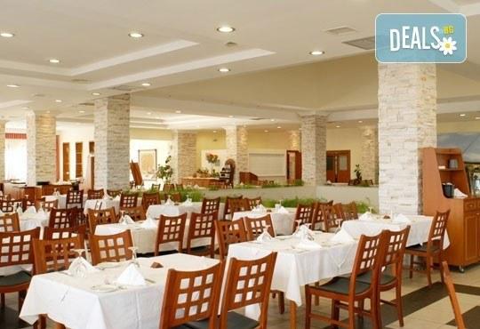 Почивайте през май в Alexandros Palace Hotel & Suites 5*, Халкидики! 3 или 5 нощувки със закуски и вечери, безплатно за дете до 12г.! - Снимка 13
