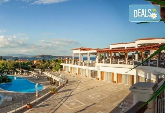 Почивайте през май в Alexandros Palace Hotel & Suites 5*, Халкидики! 3 или 5 нощувки със закуски и вечери, безплатно за дете до 12г.! - Снимка 2