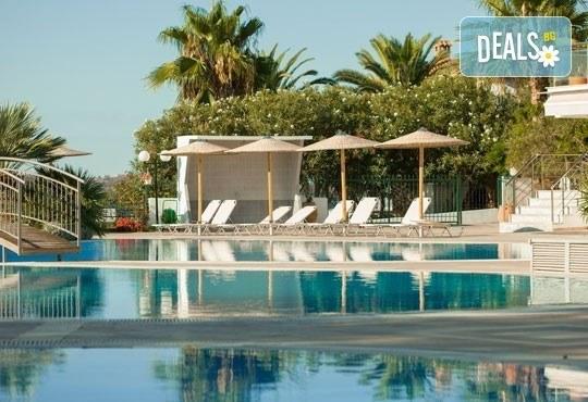 Почивайте през май в Alexandros Palace Hotel & Suites 5*, Халкидики! 3 или 5 нощувки със закуски и вечери, безплатно за дете до 12г.! - Снимка 23