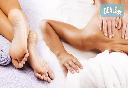 Лечебен масаж на гръб, кръст и масажна яка или лечебна зонотерапия на стъпала от салон за красота Мелани, Пловдив! - Снимка 1