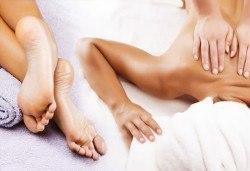 Лечебен масаж на гръб, кръст и масажна яка или лечебна зонотерапия на стъпала от салон за красота Мелани, Пловдив! - Снимка