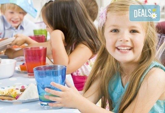 За Вашето дете! Дневно или едноседмично посещение на занималня за деца от 2,5 г. до 6 г. в детски клуб Звездички! - Снимка 1