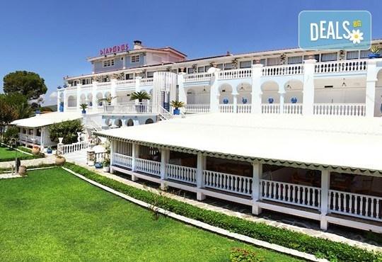 Почивайте през юни и септември в хотел Diaporos 3*, Халкидики, Гърция! 3/5/7 нощувки със закуски и вечери! - Снимка 2