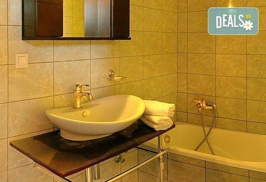 Почивайте през юни и септември в хотел Diaporos 3*, Халкидики, Гърция! 3/5/7 нощувки със закуски и вечери! - Снимка 6