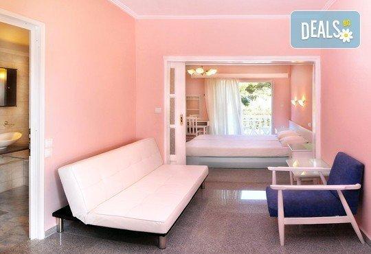 Почивайте през юни и септември в хотел Diaporos 3*, Халкидики, Гърция! 3/5/7 нощувки със закуски и вечери! - Снимка 7