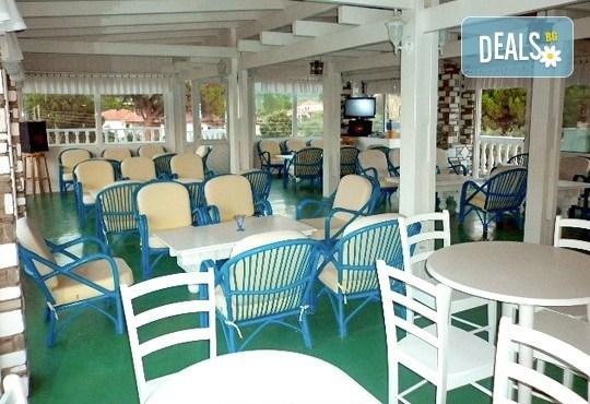 Почивайте през юни и септември в хотел Diaporos 3*, Халкидики, Гърция! 3/5/7 нощувки със закуски и вечери! - Снимка 10