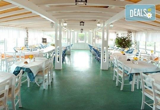 Почивайте през юни и септември в хотел Diaporos 3*, Халкидики, Гърция! 3/5/7 нощувки със закуски и вечери! - Снимка 11