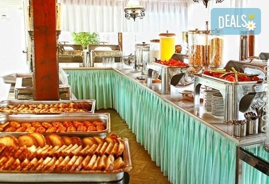 Почивайте през юни и септември в хотел Diaporos 3*, Халкидики, Гърция! 3/5/7 нощувки със закуски и вечери! - Снимка 12