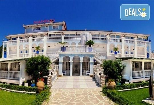 Почивайте през юни и септември в хотел Diaporos 3*, Халкидики, Гърция! 3/5/7 нощувки със закуски и вечери! - Снимка 1