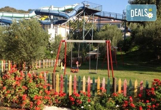 Гореща лятна почивка в Aristoteles Holiday Resort & Spa 4*, Халкидики - 3/4/5 нощувки със закуски и вечери, безплатно за дете до 11.99г. - Снимка 16