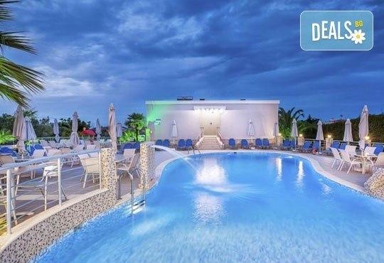 Лятна ваканция в Hotel Anna 3* на Халкидики, Гърция! 3/4/5 нощувки със закуски и вечери, безплатно за дете до 1.99г. - Снимка 8