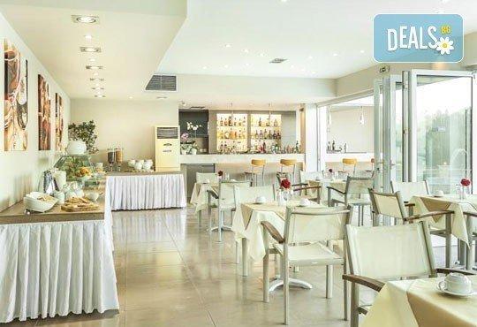 Лятна ваканция в Hotel Anna 3* на Халкидики, Гърция! 3/4/5 нощувки със закуски и вечери, безплатно за дете до 1.99г. - Снимка 6