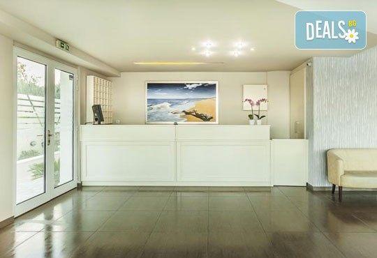 Лятна ваканция в Hotel Anna 3* на Халкидики, Гърция! 3/4/5 нощувки със закуски и вечери, безплатно за дете до 1.99г. - Снимка 3