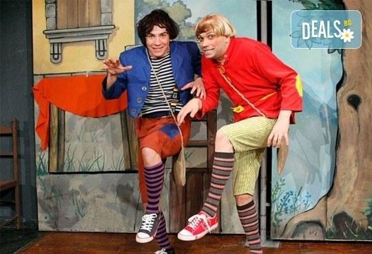 Приказки за малки и големи! Гледайте Макс и Мориц в Театър ''Възраждане'' на 23.04 от 12:30 ч, билет за един! - Снимка 1