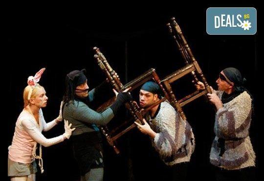 На театър с децата! Гледайте Котаракът с чизми в Театър ''Възраждане'' на 24.04, неделя от 12:30ч! - Снимка 3