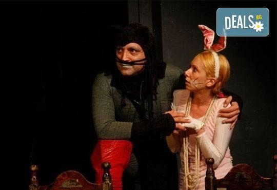 На театър с децата! Гледайте Котаракът с чизми в Театър ''Възраждане'' на 24.04, неделя от 12:30ч! - Снимка 4