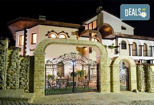 СПА Гергьовден във Велинград! 2 нощувки със закуски и вечери в луксозна стая с джакузи и празничен обяд в Спа хотел Хевън 4*! - Снимка 3